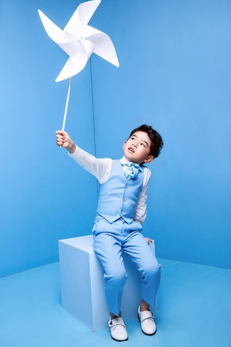 本次活动方案有童话世界儿童摄影总部策划执行