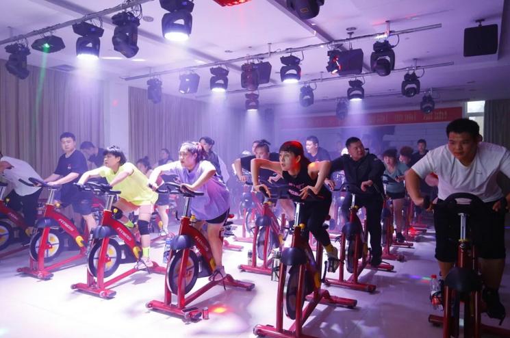 郑州减肥训练营单车.png